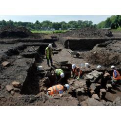 В Британии при экскаваторных работах наткнулись на римские бани
