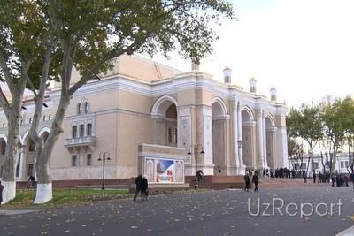 Узбекистан выпустил почтовые марки, посвященные его главному театру