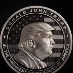 В России серебряную монету в честь Трампа отчеканили с ошибкой в названии США