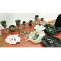В Израиле полиция изъяла в доме палестинца тайник артефактов