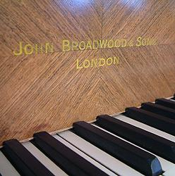 В Британии в старом фортепиано найден золотой клад