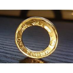 В Британии выпустили тысячи новых монет с браком