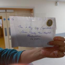 Письмо с наклеенной 1-евровой монетой вместо марки дошло до адресата