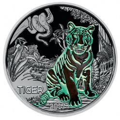 Австрийский монетный двор выпускает монету со светящимся тигром