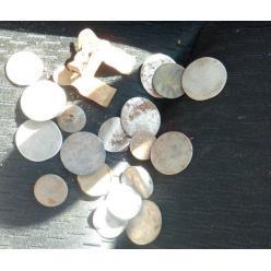 В Великобритании водитель грузовика откопал 350-летние монеты