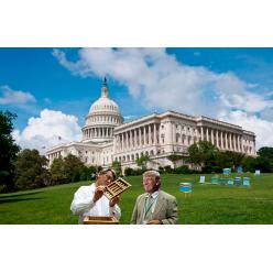 Ющенко подарил Трампу «вулик»