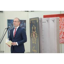 В Киеве презентовали самый большой «Кобзарь» в мире