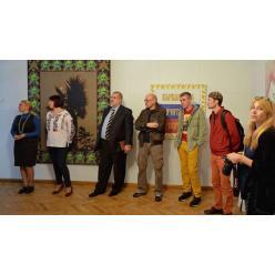 В Киеве открылась выставка «Разрушенная сказка»