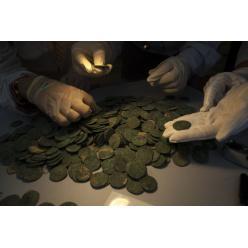 В Испании обнаружены античные золотые и серебряные монеты