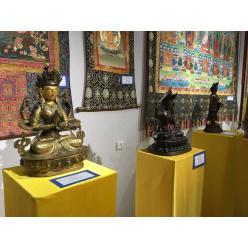 В Запорожье представили выставку реликвий из монастырей Тибета
