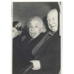 Культовый снимок Эйнштейна с автографом выставлен на аукцион