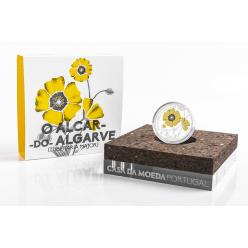На португальской монете представлен очаровательный желтый цветок