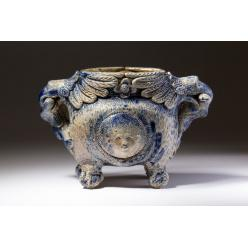 В США ваза ручной работы XIX века ушла с молотка за несколько десятков тысяч долларов