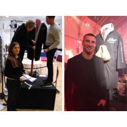 На аукціоні за $ 215 000 пішов з молотка халат Володимира Кличко