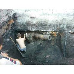 В Хмельницком откопали пушку от танка КВ-2
