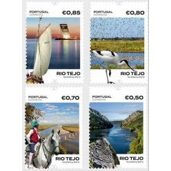 Португалия запечатлела самую большую реку страны на марках