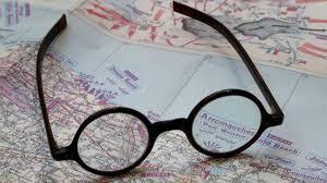 Неизвестный покупатель заплатил за очки Черчилля $9 800