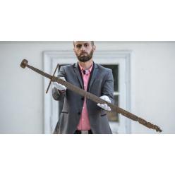 В Польше в торфянике обнаружен средневековый меч