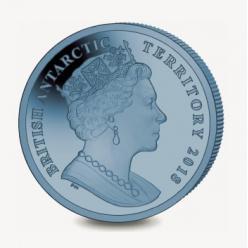 Отчеканена титановая монета с изображением буревестника