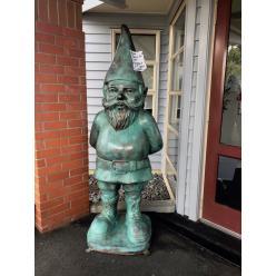 В Новой Зеландии похищенную у местной галереи 150-килограммовую статую гнома вернули владельцам