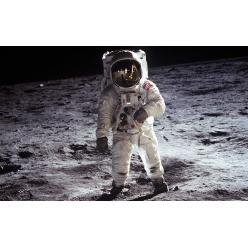 Представлена очередная монета в честь 50-летия с момента высадки человека на поверхность Луны