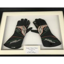 Перчатки Серхио Переса выставлены на аукцион