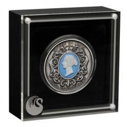В Австралии выпущена монета со вставкой из камеи, на которой изображен портрет королевы Виктории