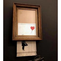 На аукционе Sotheby's сразу после продажи самоуничтожилась картина Бэнкси