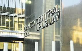 В Уругвае планируют выпустить в обращение полимерные банкноты