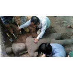 В Камбодже была найдена древняя статуя