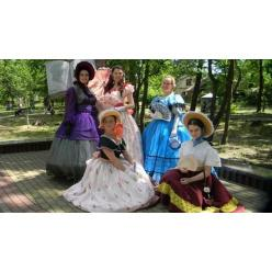 В Буче провели экспозицию женских нарядов XIX века