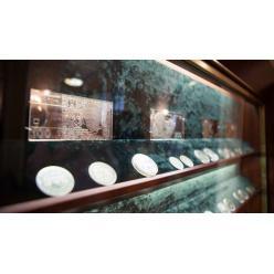 Аукцион по продаже памятных монет принес НБУ 2,5 миллиона гривен