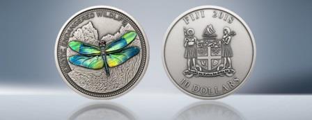 В Швейцарии выпущена инвестиционная монета с изображением стрекозы