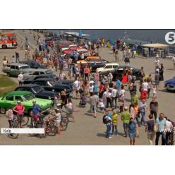 В Киеве состоялся парад ретро-автомобилей
