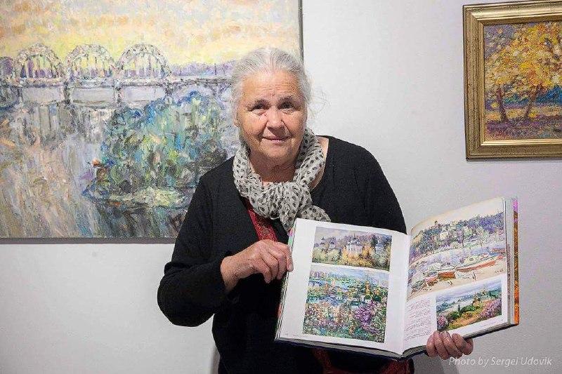 Нина Бондаренко принимает активное участие в отечественных и международных выставках