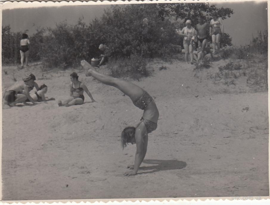 Фото девушки на пляже